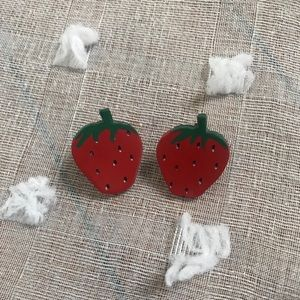 Vintage wood strawberry studs